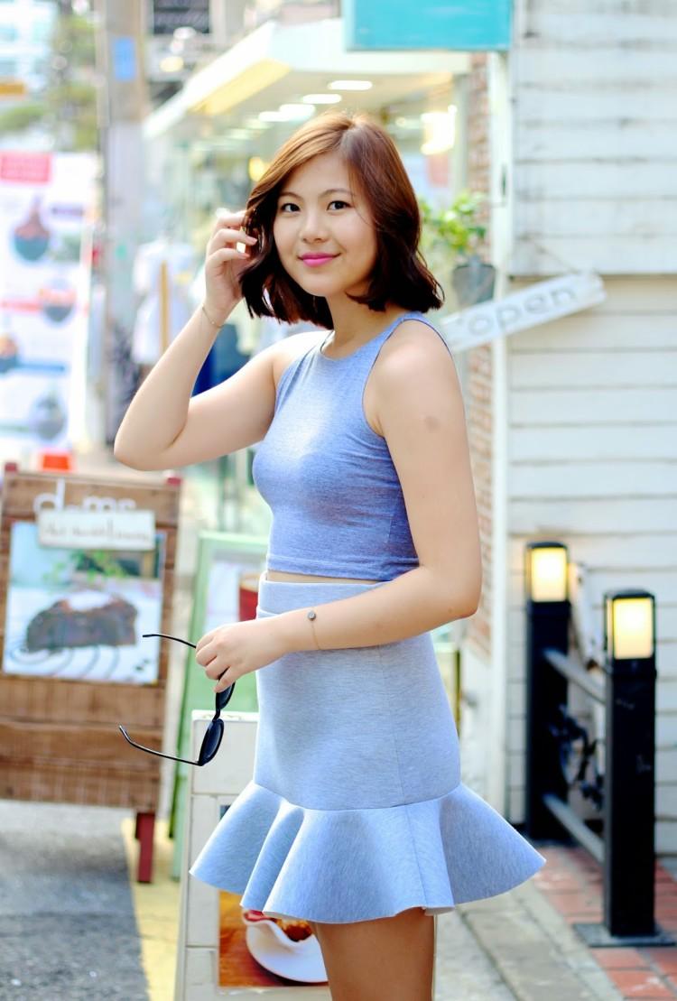 Neoprene-Skirt-Street-Style-81-750x1109