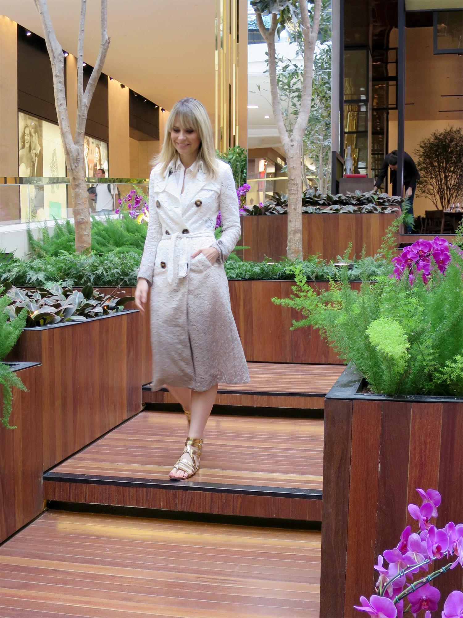 Paula Martins Trench coat Burberry renda 1