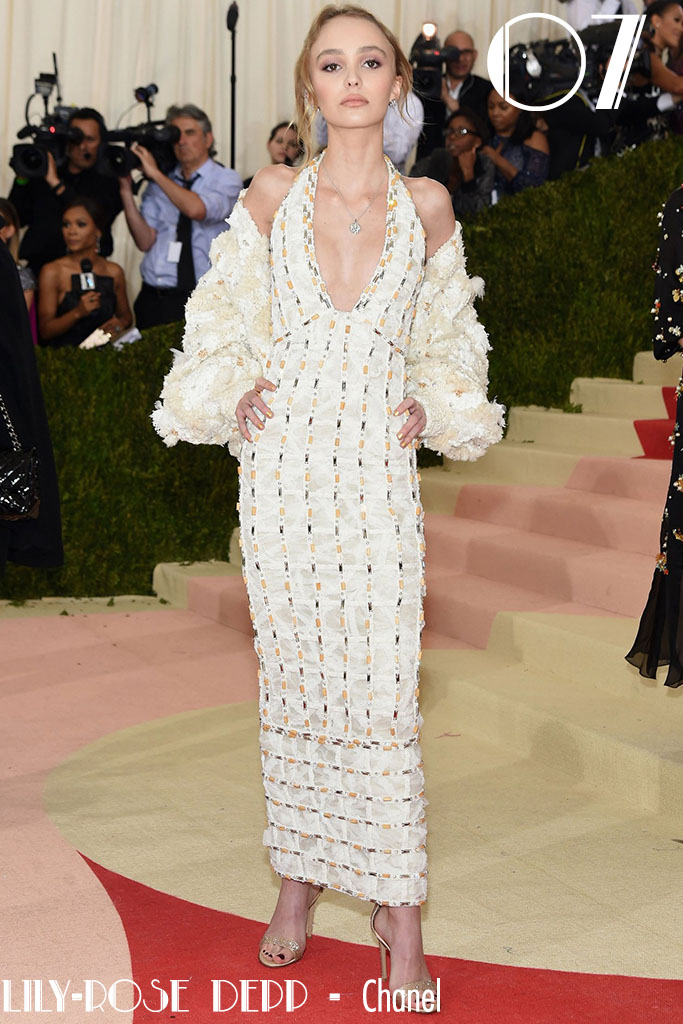 Met Gala 2016 - As 10 Mais - Lily-rose Depp - Blog Paula Martins